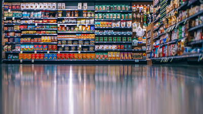 Supermarkets and convenience stores: the unflinching plastic polluters-image